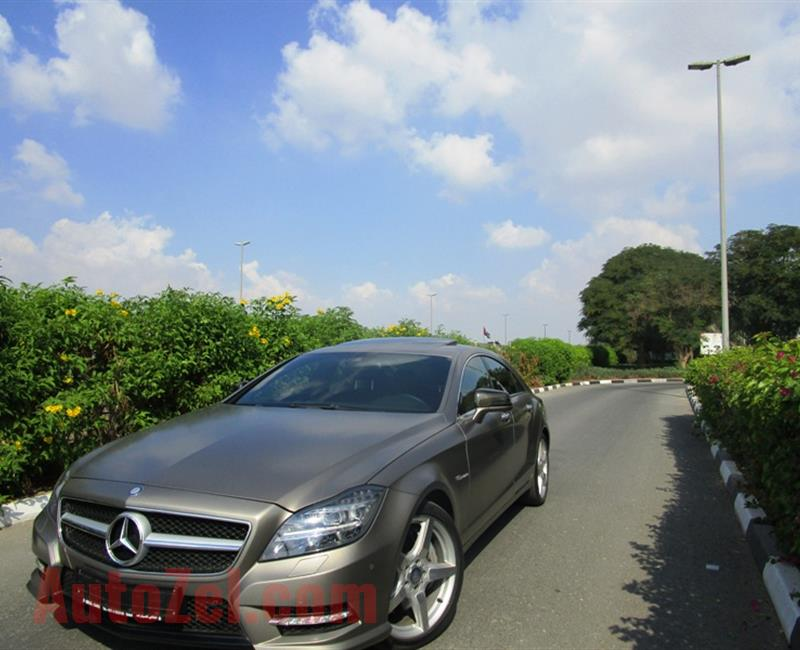 MERCEDES BENZ CLS 500 AMG GCC SPECS VERY LOW MILEAGE
