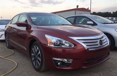 Nissan Altima S 2.5L full options 2013