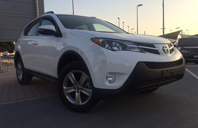 Toyota Rav 4 XLE full oprions Sunroof leather seat 2015