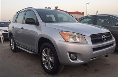 Toyota Rav4 LE full automatic with cruise control...