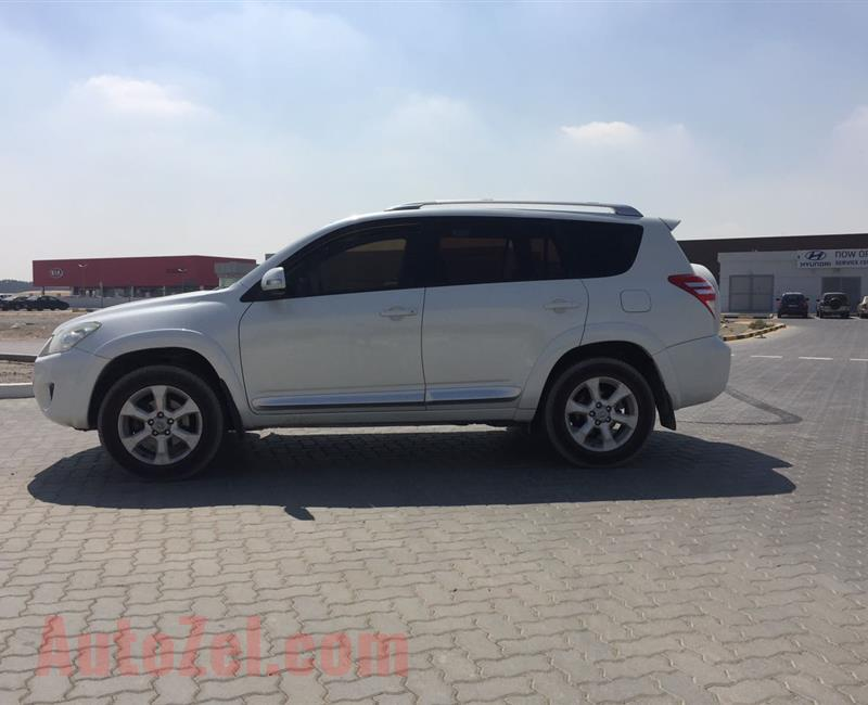 Toyota Rav4 LE full automatic with cruise control AED.30000