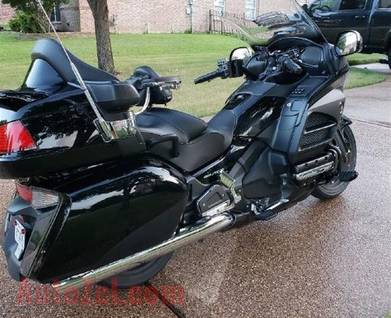 2014 honda gold wing mint condition