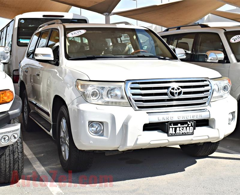 TOYOTA LAND CRUISER GXR, V8- 2014- WHITE- 148 000 KM- GCC