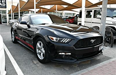 FORD MUSTANG  model 2015 - black - 70,000 km - v6 - CAR...