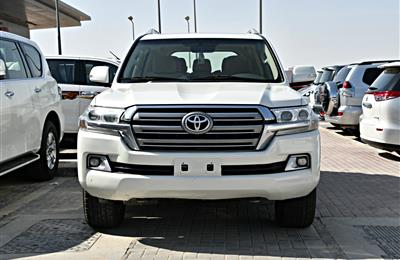 TOYOTA LAND CRUISER, V8- 2016- WHITE- 155 137 KM- GCC