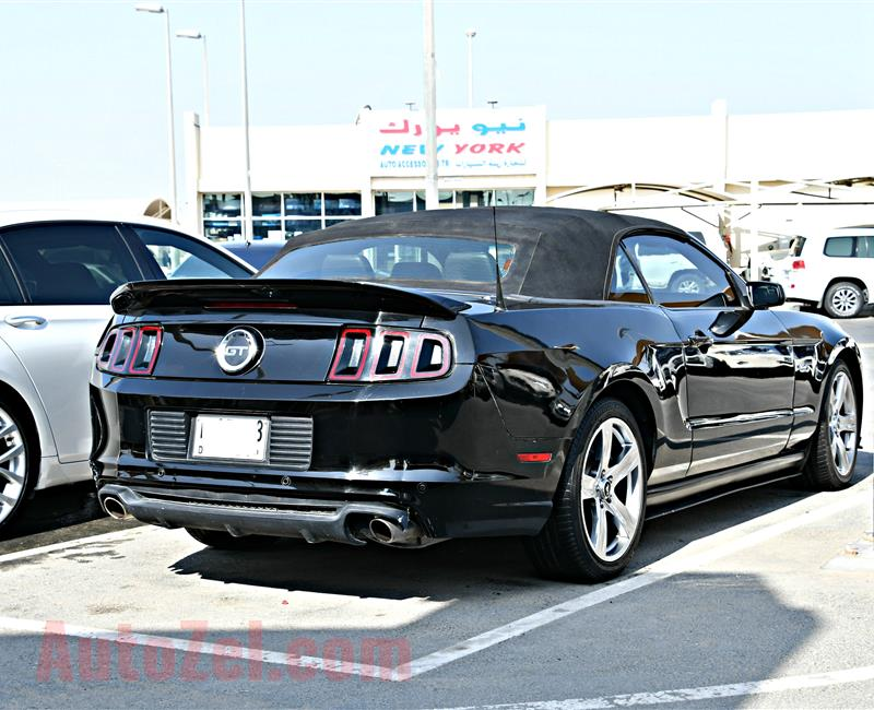 FORD MUSTANG GT MODEL 2014 - BLACK - 40,000 MILEAGE - V8 - CAR SPECS IS AMERICAN