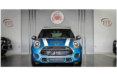 MINI JOHN COOPER WORKS- 2018- BLUE- 28 000 KM- GCC SPECS-...
