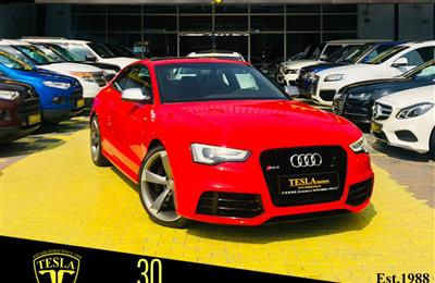 Audi RS5 ///GCC///2013///SUPER CLEAN///ONE YEAR WARRANTY...