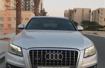 Audi Q5 Quattro/ S Line 2.0 T GCC Spec with Panoramic...