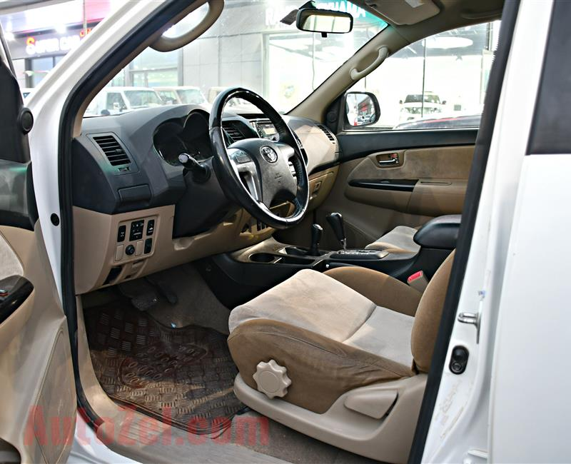 TOYOTA FORTUNER MODEL 2014 - WHITE - 107,000 KM - V6 - GCC