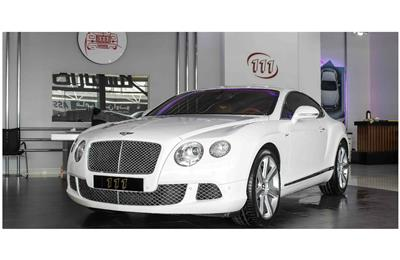 BENTLEY CONTINENTAL GT W12- 2012- WHITE- 90 000 KM- GCC...