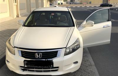 Honda accord 2009 mid option