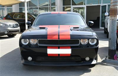 DODGE CHALLENGER SRT8- 2014- BLACK- 60 000 KM- GCC SPECS
