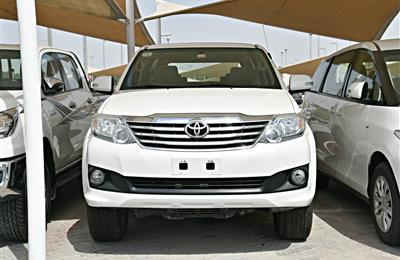 TOYOTA FORTUNER EXR MODEL 2014 - WHITE - 100,000 KM - V4 -...
