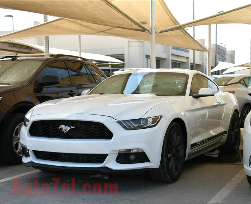 FORD MUSTANG- 2015- WHITE- 34 000 MILES- AMERICAN SPECS