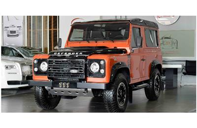 BRAND NEW LAND ROVER DEFENDER- 2016- ORANGE- GCC SPECS