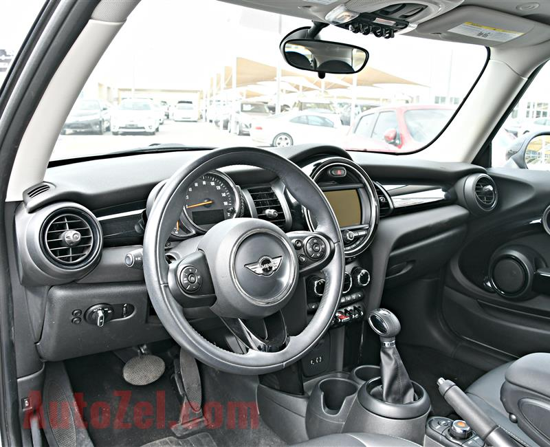 MINI COOPER MODEL 2017 - SILVER - 30,000 KM - V4 - CAR SPECS IS AMERICAN