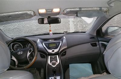 Hyundai Elantra silver very good condition