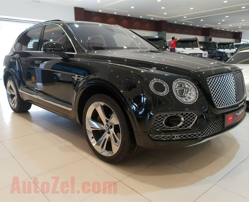 BENTLEY BENTAYGA W12- 2017- GREEN- 33 000 KM- GCC