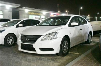 NISSAN SENTRA MODEL 2015 - WHITE - 110,000 KM -  V4 - GCC