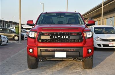 TOYOTA TUNDRA- 2017- RED- 30 000 KM- AMERICAN SPECS