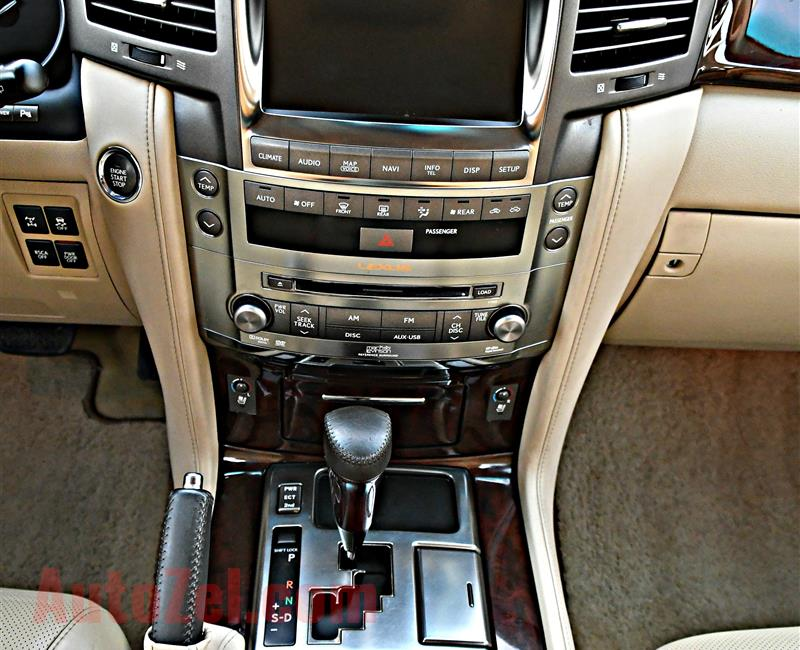 LEXUS LX570 SPORT MODEL 2010 - GOLD - 190,000 KM - V8 - GCC