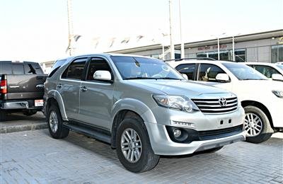 TOYOTA FORTUNER MODEL 2014 - SILVER - 120,000 KM - GCC