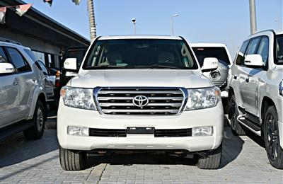 LAND CRUISER MODEL 2011 - WHITE - 419,000 KM - GCC