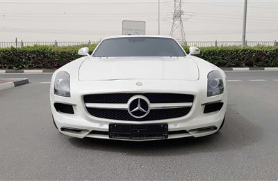 MERCEDES-BENZ SLS, V10- 2011- WHITE- 86 000 KM- GCC