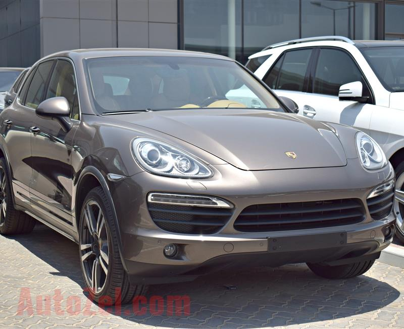 PORSCHE CAYENNE 4.8, V8- 2014- BROWN