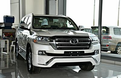 TOYOTA LAND CRUISER VXR MODEL 2018 - WHITE - ZERO KM - V8...