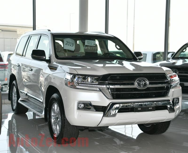 TOYOTA LAND CRUISER  GXR MODEL 2019 - WHITE - ZERO KM - V8 - GCC