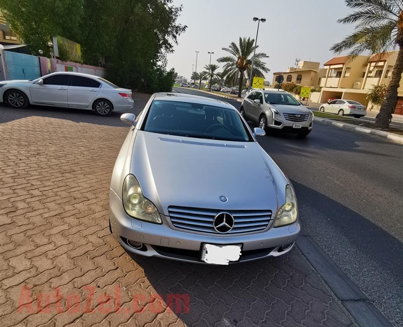 Mercedes Benz CLS 350, like new clean in & out, no single scratch