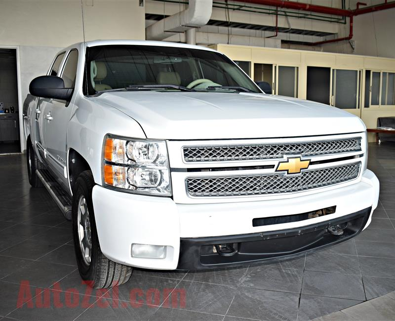 CHEVROLET SILVERADO  MODEL 2012 - WHITE - 250,000 KM - V8 - GCC