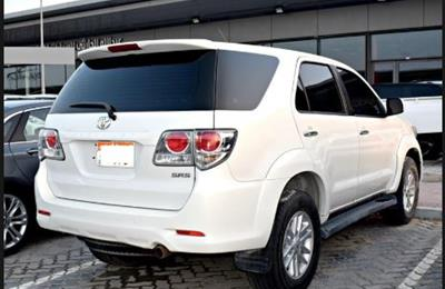 Toyota Fortuner SR5 - Single lady owner - Family Car 7...
