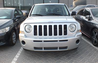 JEEP PATRIOT- 2009- SILVER- 119 000 KM- GCC SPECS