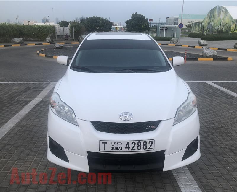 Toyota Matrix 2009 full option No 1driven by lady 12500 dhs