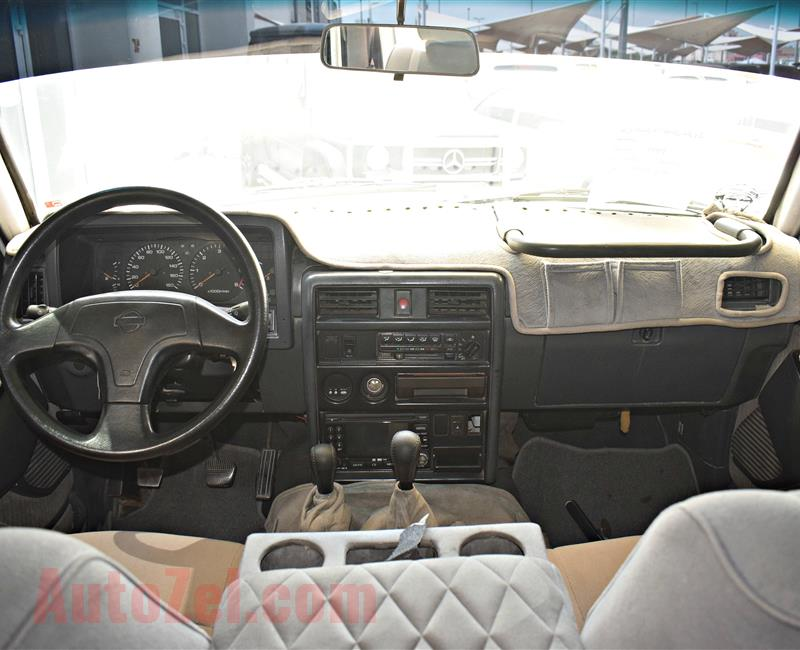 NISSAN SUPER SAFARI MODEL 1999 - 280,000 KM - WHITE - V6 - GCC