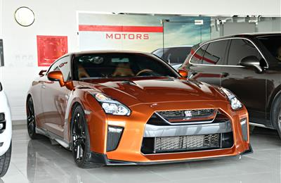 NISSAN GTR MODEL 2017 - ORANGE - 14,000 KM - V8 - GCC