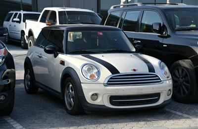 MINI COOPER MODEL 2012 - WHITE - 158,000 KM - V4 - GCC