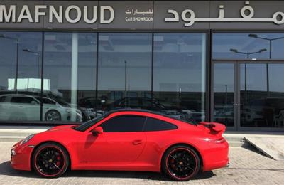 PORSCHE 911 CARRERA GTS- 2015- RED- 78 000 KM- GCC