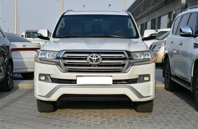 TOYOTA LAND CRUISER VXR MODEL 2017 - WHITE - 160,000 KM -...