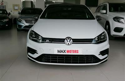 VOLKSWAGEN GOLF R- 2019- WHITE- 10 000 KM- GCC