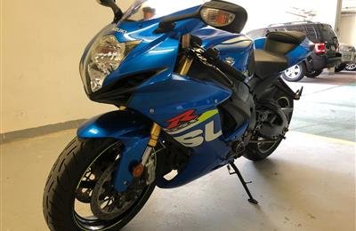 2015 Suzuki GSX-R750 low mileage and perfect condition