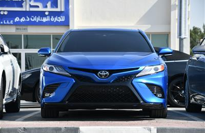 TOYOTA CAMRY- 2018- BLUE- 6 000 MILES- AMERICAN SPECS