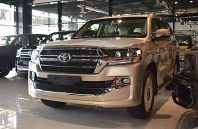 BRAND NEW TOYOTA LAND CRUISER GXR- 2020- GOLD- GCC SPECS-...