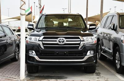 TOYOTA LAND CRUISER GXR V8- 2016- BLACK- 70 000 KM- GCC...