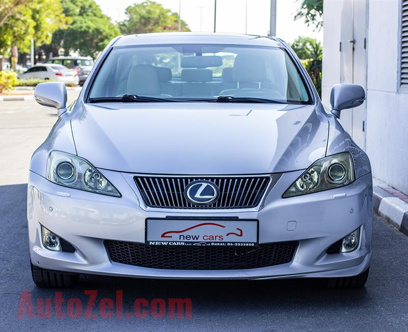 LEXUS IS300- 2010- SILVER- 164 043 KM- GCC SPECS