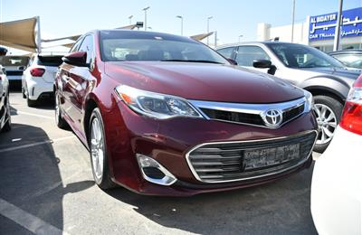 TOYOTA AVALON- 2014- RED- 135 000 KM- AMERICAN SPECS