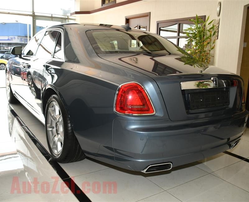 ROLLS ROYCE GHOST- 2013- BLUE- 70 000 KM- GCC SPECS